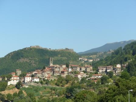 La Credenza Castelnuovo Di Garfagnana : San romano garfagnana u vacanze fortezza verrucole